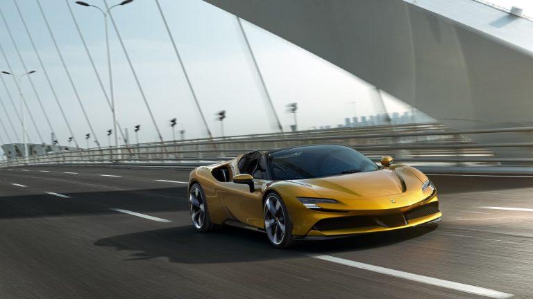 Ferrari SF90 Spider Tanıtıldı